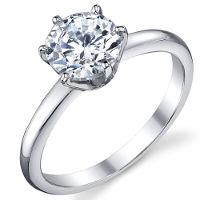 Anello in argento con zirconi taglio brillante.