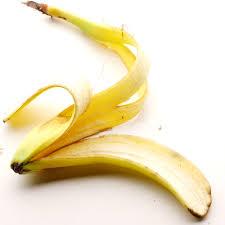 Buccia di banana per lucidare i denti.
