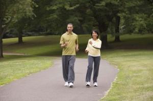 Camminare per mantenersi in forma.