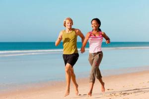 Correre sulla spiaggia.
