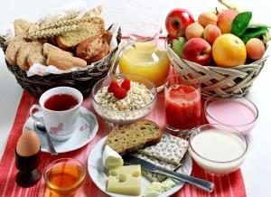 Colazione con la frutta.