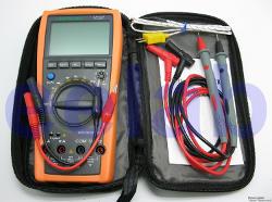Tester digitale con auto-range.