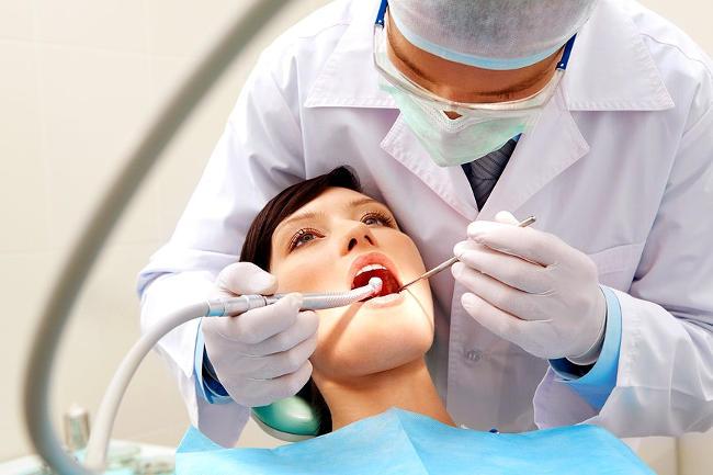 Rischi dello sbiancamento dentale.