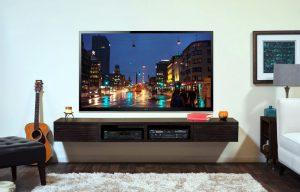Supporto tv da parete con staffa.